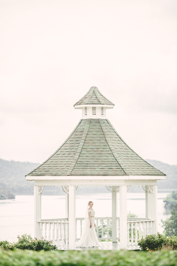 Whitestone Country Inn Bridal Session